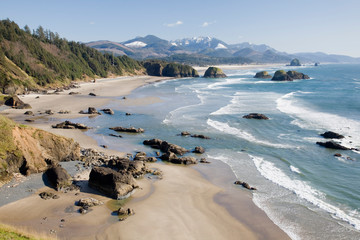 Fototapeten Küste OR, Oregon Coast, Ecola State Park, Crescent Beach, Cannon Beach and Haystack Rock in background
