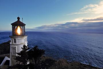 USA, Oregon, Heceta Head. The lighthouse at Heceta Head warns ships of the rocky Oregon coast.