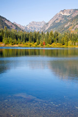 Foto op Plexiglas Blauwe jeans WA, Mount Baker Snoqulamie National Forest, Gold Creek Pond