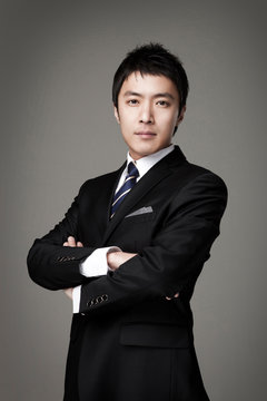Businessman image of a Korean man in his 30s.