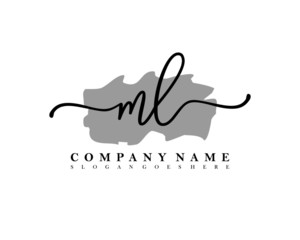 ML Initial letter handwriting and signature logo.
