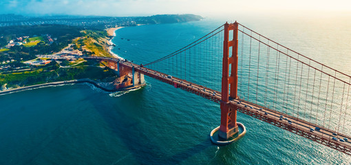 Türaufkleber Brücken Aerial view of the Golden Gate Bridge in San Francisco, CA