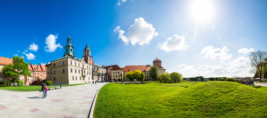 Wawel castle yard with lawn, panoramic view Fototapete
