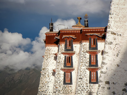 Potala Palace, famous fortress and landmark, Unesco World Heritage Site,  Lhasa, Tibet, China, Asia