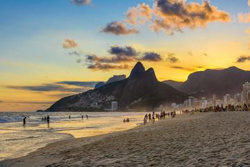 Fotobehang - Sunset view of Ipanema beach, Leblon beach and the Mountain Dois Irmao in Rio de Janeiro. Brazil