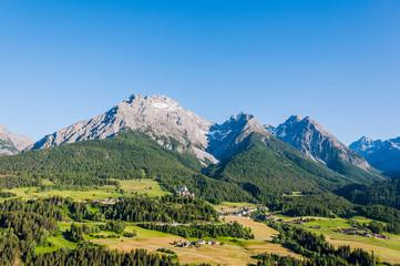 Scuol, Tarasp, Engadin, Unterengadin, Bergdorf, Schloss, Fontana, Vulpera, Kirche, Wanderweg, Alpen, Graubünden, via Engiadina, Sommer, Schweiz