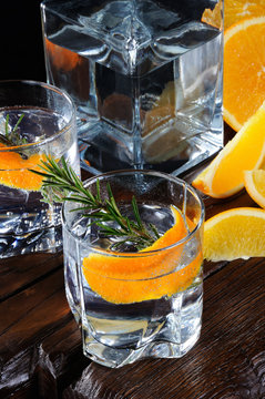 Classic Dry Gin with tonic and orange zest