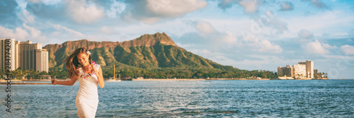 Wall mural Hawaii Waikiki beach tourist woman happy in Honolulu travel banner vacation. Panoramic landscape with Diamond Head mountain in the background.