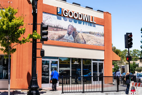 August 17, 2019 Sunnyvale / CA / USA - Entrance to Goodwill Silicon Valley store in downtown Sunnyvale