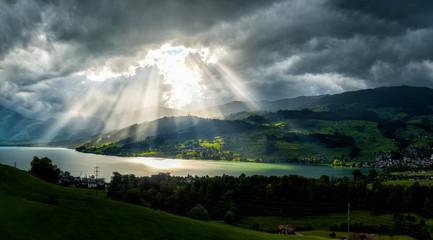 Gewitterstimmung am Sarnersee in der Schweiz