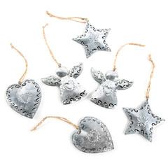Weihnachten Dekoration isoliert: silberne Blech Metall Engel Herz Stern