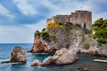 A fortress along the Adriatic seacoast near Dubrovnik Fototapete