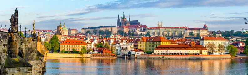 Poster Praag Prague panorama with Charles Bridge and Prague Castle at background, Czech Republic