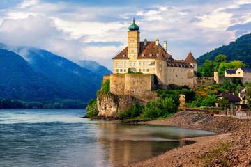 Schonbuhel castle on Danube river, Wachau region, Austria Fototapete