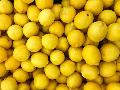 A lot of lemons on sale at farms market