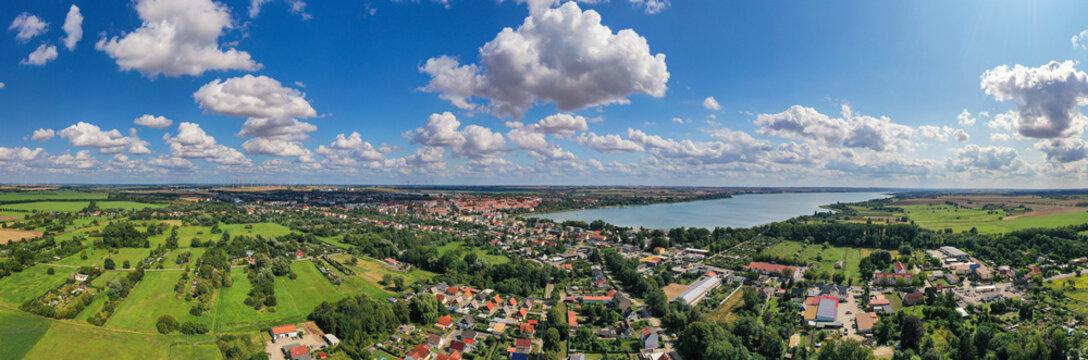 Prenzlau am Unteruckersee in Brandenburg als Panoramafoto
