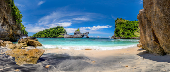 Panorama of paradise tropical beach with small island and perfect azure clean water Fototapete