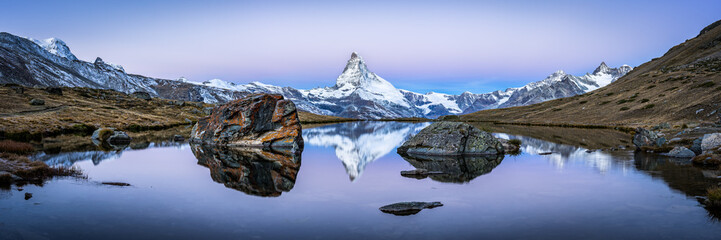 In de dag Alpen Matterhorn mountain and Stellisee panorama in winter, Switzerland