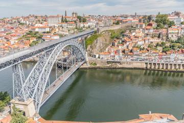 Vue sur Porto et le pont Dom-Luís