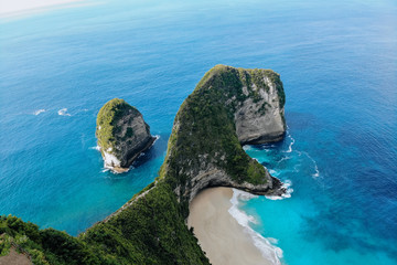 Obraz Top view of Karang Dawa bay, Kelingking beach. Nusa Penida Island, Indonesia. - fototapety do salonu