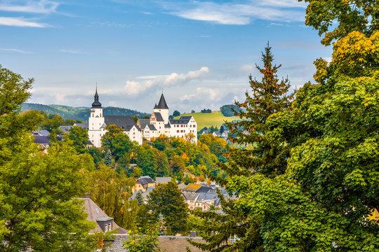 Schwarzenberg im Erzgebirge mit St. Georgen-Kirche und Schloss