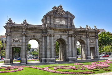 Photo Blinds Madrid Madrid, Spain - July 22, 2019: Puerta de Alcala arch in Plaza de la Independencia