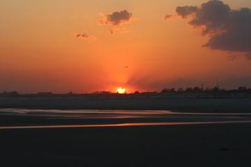 Sonnenuntergang am Strand - Flugzeug