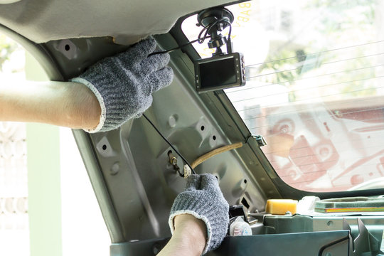 Wiring car rear camera video recorder.