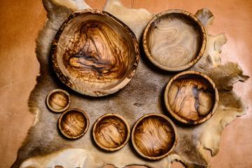 オリーブの木の器のセット。