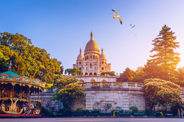 Basilica Sacre Coeur in Montmartre in Paris, France. The Basilica of the Sacred Heart (Sacre Coeur Basilica). Montmartre, Paris, France. Paris. Basilica Sacre-Coeur. On the hill Montmartre. Paris. Fototapete