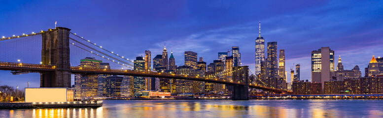 Spoed Fotobehang Donkerblauw Brooklyn bridge New York