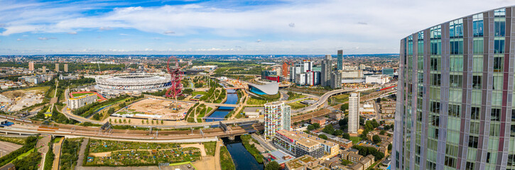 Fotomurales - August 10, 2019. London, UK. Aerial view of the Olympic park in London with the the Olympic Stadium and the ArcellorMittal Orbit tower.