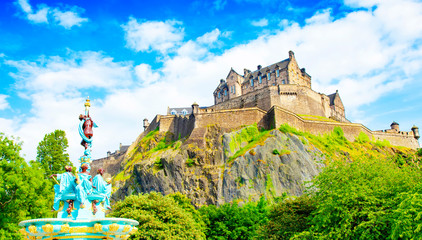 Wall Mural - Edinburgh Castle skyline and Ross Fountain, Scotland