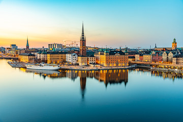 Photo sur Aluminium Piscine Sunset view of Gamla stan in Stockholm from Sodermalm island, Sweden