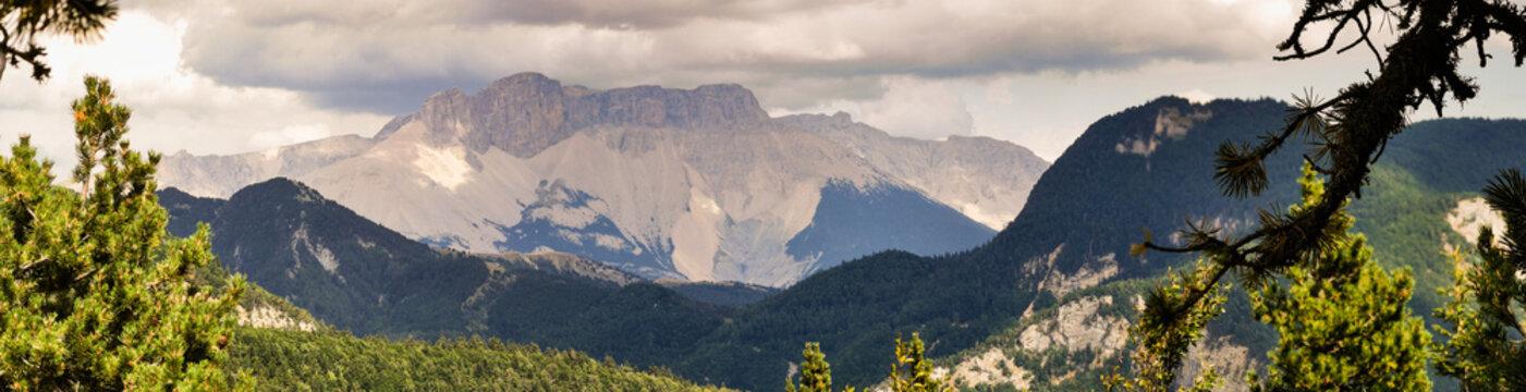 Massif du Dévoluy, massif du pic de Bure, Hautes-Alpes, Alpes-de-Haute-Provence, France