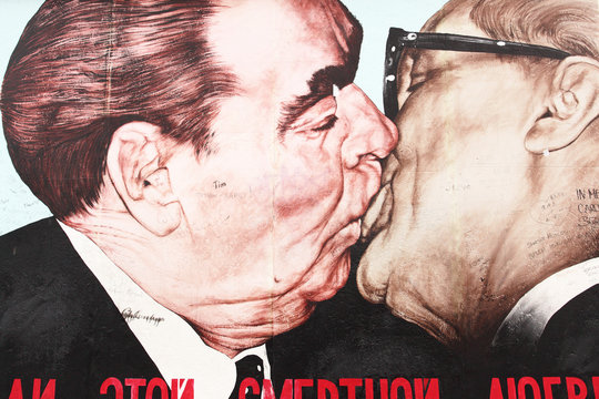 The Kiss - Berlin Wall