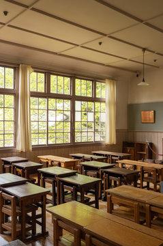 廃校 小学校の教室