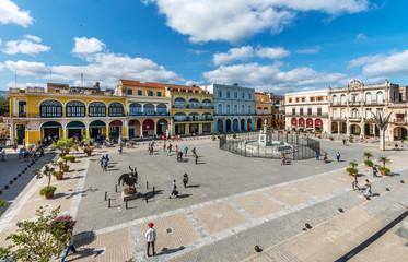 Kuba, Havanna; Blick auf einen der ältesten Plätze von Havanna,