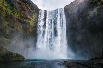 Photo sur Toile Cascades skogafoss waterfall in Iceland