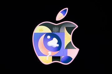 The Apple logo is shown during screensaver on display, Düsseldorf, Germany - August 23, 2019