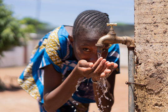 Access to Water is a Human Rights Issue, African Drinking