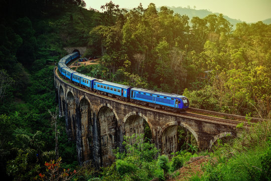 The Nine Arches Bridge is one of the most iconic bridges and beautiful sights of Sri Lanka.