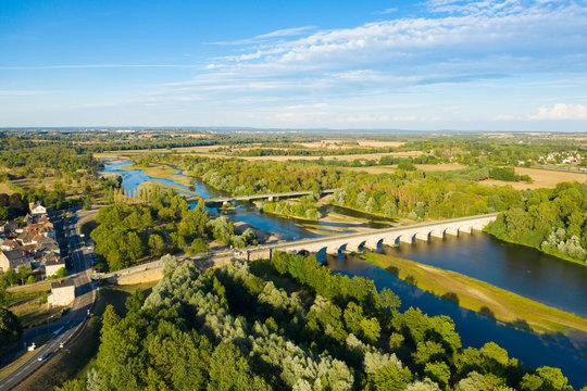 Vue globale sur le pont du Guétin à proximité du Bec d'Allier vers Nevers et la Loire