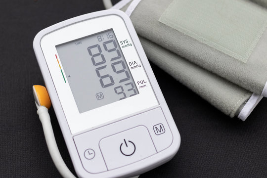 Automatic blood pressure monitor with low blood pressure on a bl