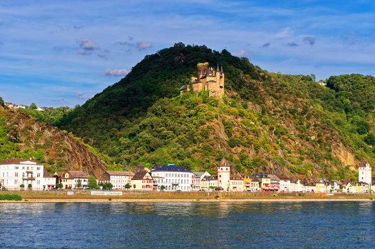 St. Goarshausen am Rhein bei St. Goar Rheinland-Pfalz mit Fähre Deutschland Europa fotografiert am 2019.08.16
