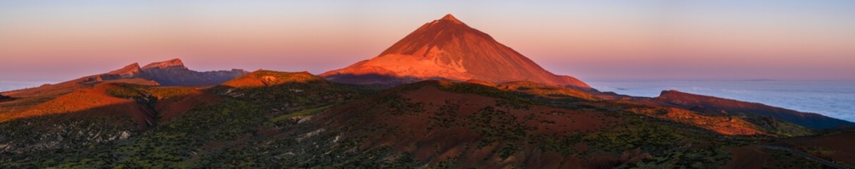 Photo sur Plexiglas Marron chocolat Panorama of the Teide National Park in Tenerife