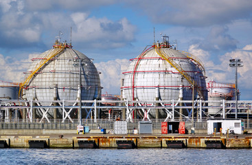 Large Spherical Fuel Storage Tanks