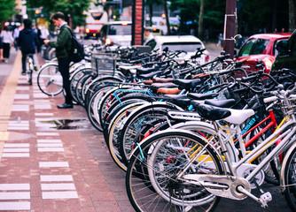 Row of bicycle on street Fototapete