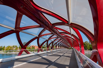 Morning view of the famous red Peace Bridge Fototapete