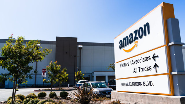 August 23, 2019 Sacramento / CA / USA - Amazon Fulfillment Center sign and building